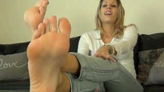 Nikki's stinky sweaty foot worship